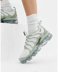 Deportivas grises de Nike
