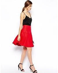 Falda campana con relieve roja de Asos