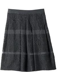 Falda campana de encaje negra
