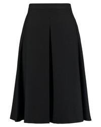 Falda campana negra de Daniel Hechter