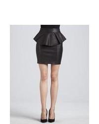 Falda con volante negra