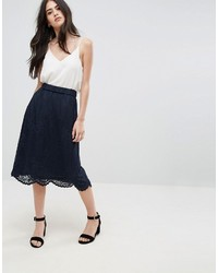 Falda de encaje azul marino de Vila