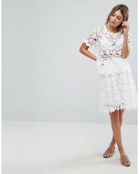 Falda de encaje blanca de Vila