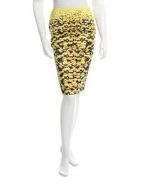 Falda lápiz con print de flores amarilla