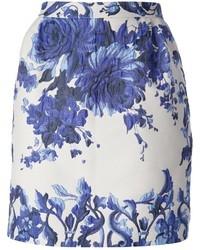 Falda lápiz con print de flores en blanco y azul de Valentino