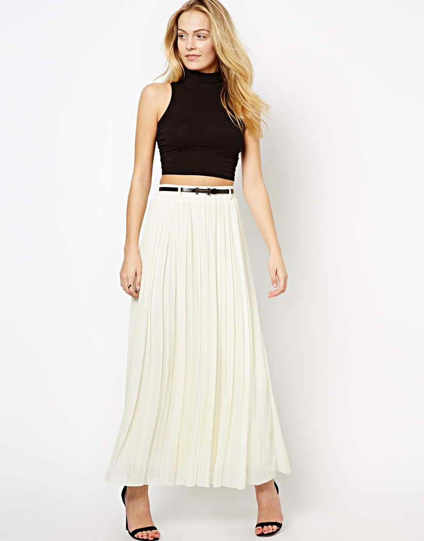 ... Falda larga plisada blanca de The Style d28959e67c2