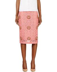 Falda midi de encaje rosa de Burberry