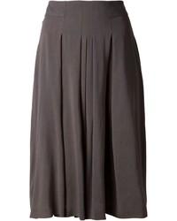 Falda midi plisada en gris oscuro de Akris