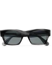 Gafas de sol en gris oscuro de Oliver Peoples