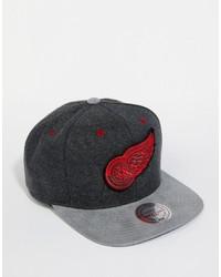 Gorra de béisbol en gris oscuro de Mitchell & Ness