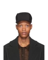 Gorra de béisbol negra de Homme Plissé Issey Miyake