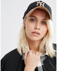 Gorra inglesa estampada negra de New Era