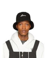 Gorro de pescador bordado en negro y blanco de We11done