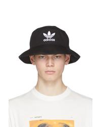 Gorro de pescador estampado en negro y blanco de adidas Originals
