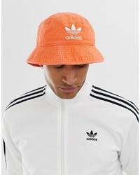 Gorro de pescador naranja de adidas Originals