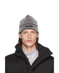 Gorro de punto en gris oscuro de Givenchy