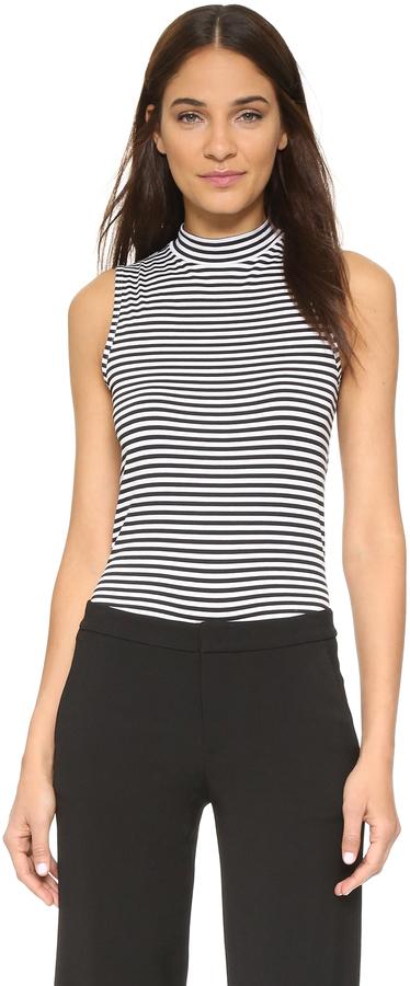 7cbb36a223f9 Jersey de cuello alto sin mangas de rayas horizontales en blanco y negro de  Theory