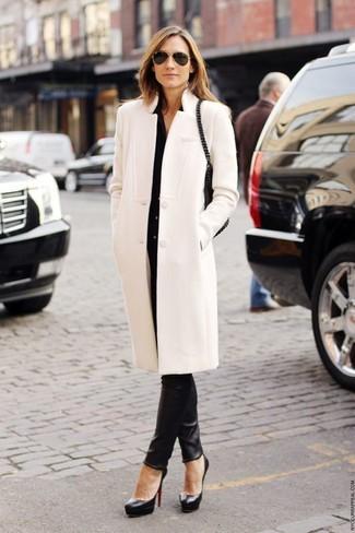 ModaAbrigo NegraPantalones Vestir BlancoCamisa De Look 92WDEHI