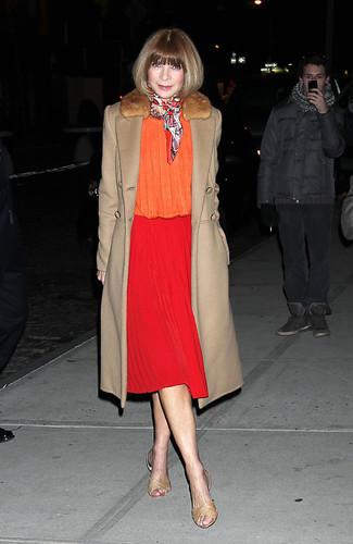 Abrigo con cuello de piel blusa de manga larga falda midi large 13297