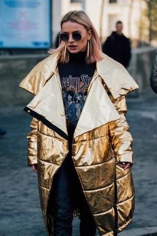 Combinar abrigo dorado