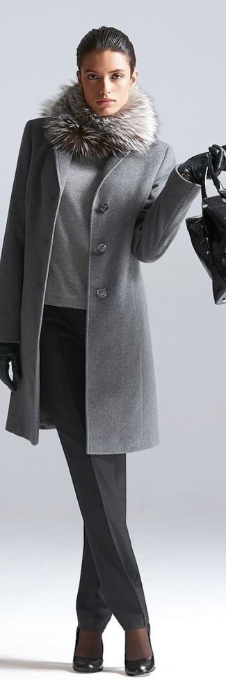 Abrigo gris con cuello de pelo