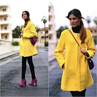 Combinar abrigo amarillo mujer