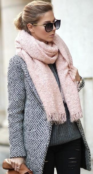 Combinar abrigo blanco y negro