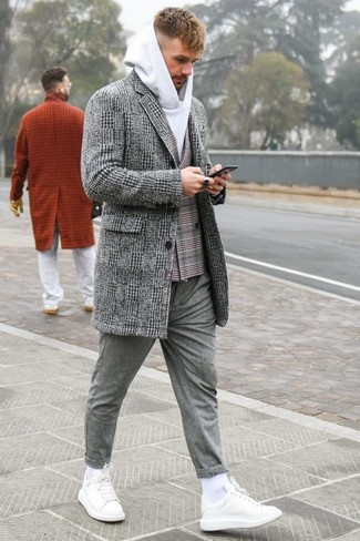 Abrigo largo de tartán gris de Haider Ackermann