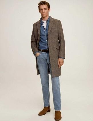 Cómo combinar unas botas: Equípate un abrigo largo de tartán marrón junto a unos vaqueros celestes para un lindo look para el trabajo. Botas son una opción atractiva para complementar tu atuendo.