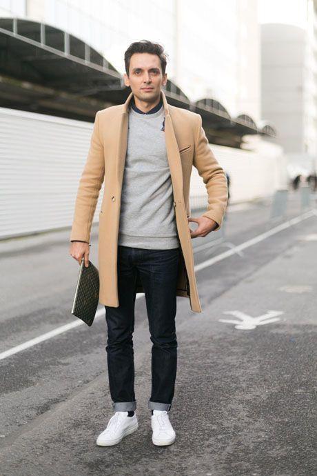 Combinar abrigo beige hombre