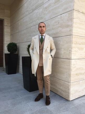Cómo combinar una corbata estampada verde oscuro: Intenta combinar un abrigo largo en beige con una corbata estampada verde oscuro para una apariencia clásica y elegante. Si no quieres vestir totalmente formal, opta por un par de zapatos con doble hebilla de ante en marrón oscuro.