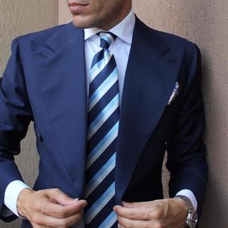 e8e16f6de3361 Cómo combinar una corbata de rayas verticales azul con una camisa de ...
