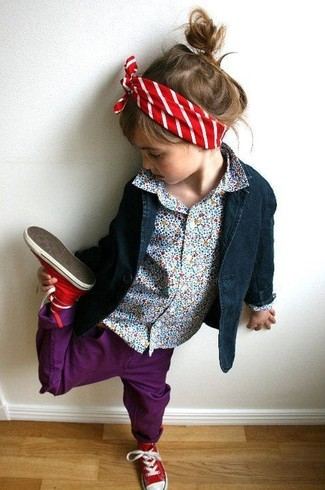 Cómo combinar unas zapatillas rojas: