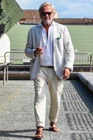 Unos Pantalones De Vestir Con Un Blazer Blanco Para Hombres De 60 Anos 10 Outfits Lookastic Espana