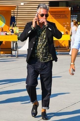 Cómo combinar unas gafas de sol verde oscuro: Ponte un blazer negro y unas gafas de sol verde oscuro transmitirán una vibra libre y relajada. ¿Te sientes valiente? Complementa tu atuendo con zapatos oxford de cuero negros.