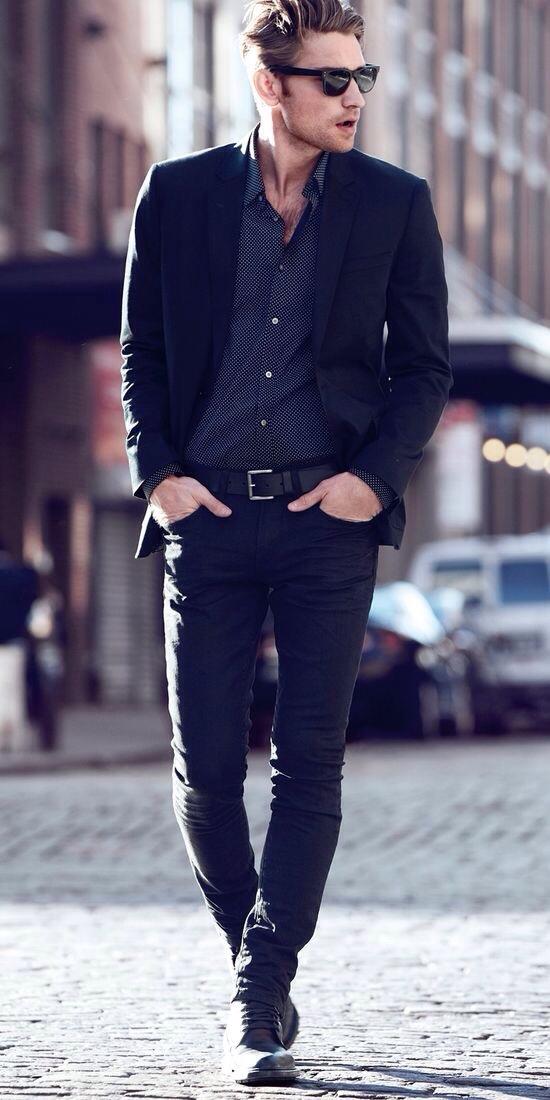 Cómo combinar unos vaqueros negros con unas botas negras (103 looks ...