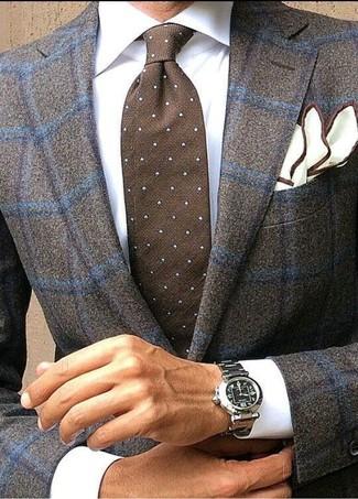 Cómo combinar: blazer de lana a cuadros en marrón oscuro, camisa de vestir blanca, corbata a lunares en marrón oscuro, pañuelo de bolsillo blanco
