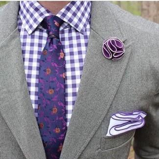 Cómo combinar una camisa de vestir de cuadro vichy en violeta: Intenta combinar una camisa de vestir de cuadro vichy en violeta con un blazer gris para crear un estilo informal elegante.