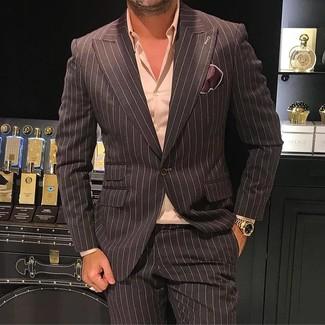 Cómo combinar: blazer de rayas verticales en marrón oscuro, camisa de vestir rosada, pantalón de vestir de rayas verticales en marrón oscuro, pañuelo de bolsillo de seda en marrón oscuro