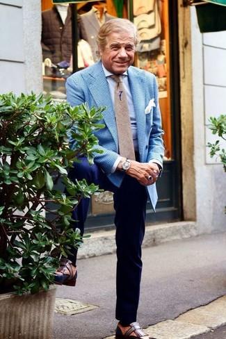 Cómo combinar: blazer de cuadro vichy azul, camisa de vestir celeste, pantalón de vestir azul marino, mocasín con borlas de cuero marrón
