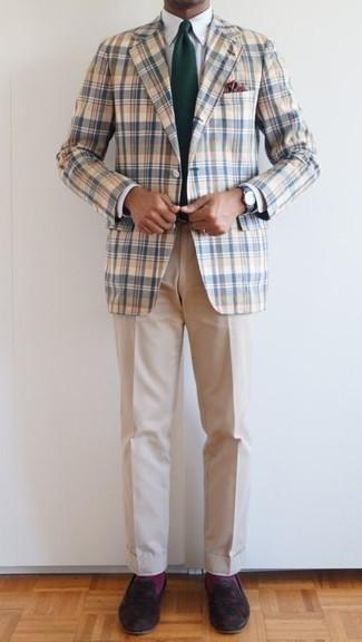 Cómo combinar unos calcetines morado: Equípate un blazer de tartán en blanco y azul junto a unos calcetines morado para un look agradable de fin de semana. ¿Te sientes valiente? Haz mocasín de ante en marrón oscuro tu calzado.