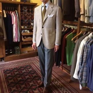 Cómo combinar una corbata estampada marrón claro: Opta por un blazer de tartán en beige y una corbata estampada marrón claro para rebosar clase y sofisticación. Haz zapatos oxford de cuero marrónes tu calzado para mostrar tu inteligencia sartorial.