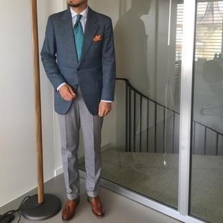 Cómo combinar un blazer de tartán azul marino: Utiliza un blazer de tartán azul marino y un pantalón de vestir gris para rebosar clase y sofisticación. Mocasín con borlas de cuero marrón son una opción grandiosa para complementar tu atuendo.