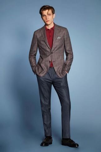 Cómo combinar un blazer de tartán marrón: Emparejar un blazer de tartán marrón junto a un pantalón de vestir azul marino es una opción atractiva para una apariencia clásica y refinada. Mocasín con borlas de cuero en marrón oscuro son una opción inmejorable para complementar tu atuendo.