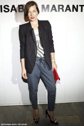 Blazer camiseta con cuello barco pantalones pitillo zapatos de tacon cartera sobre large 6137