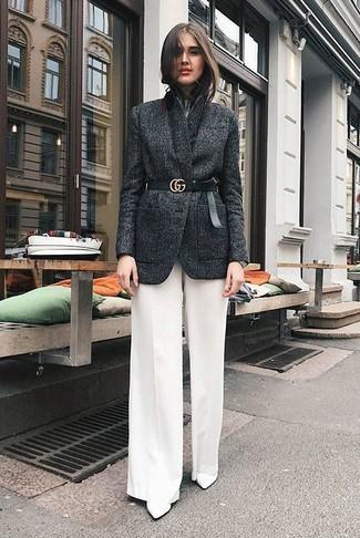 Como Combinar Unos Pantalones Anchos Blancos Con Unas Botas Blancas 3 Outfits Lookastic Espana