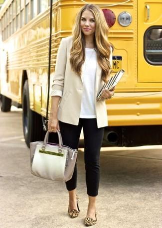 En Look Blanca Beige Circular De Cuello Con Blazer Moda Camiseta wwqFxS 861e196be446