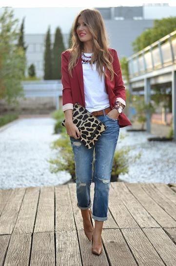 Como combinar un saco rojo de mujer