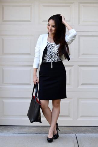 acbc3cdc6 Cómo combinar: blazer en blanco y negro, camiseta sin manga de leopardo en  blanco