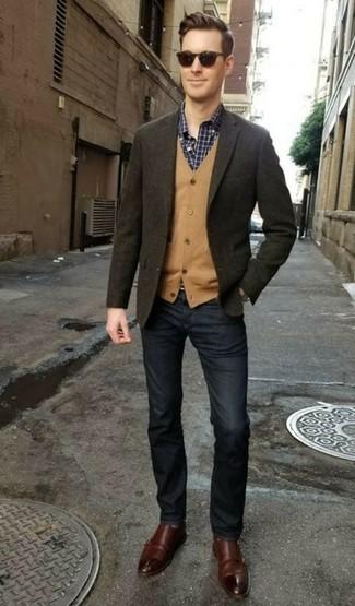 Ponte un cárdigan marrón claro de Scalpers y unos vaqueros azul marino para una apariencia fácil de vestir para todos los días. Completa tu atuendo con zapatos con doble hebilla de cuero en marrón oscuro para mostrar tu inteligencia sartorial.